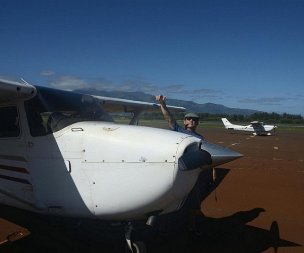 Ed making fun before departure at Kahului