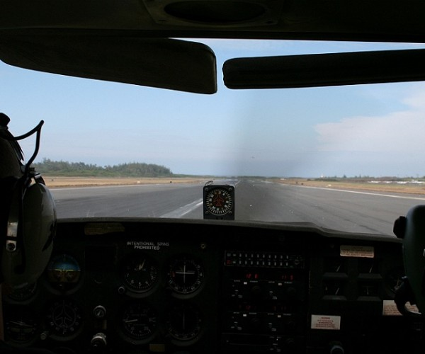 Takeoff roll at PHOG runway 20